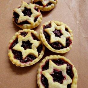 Nigella Lawson's Star-Topped Cranberry MincePies