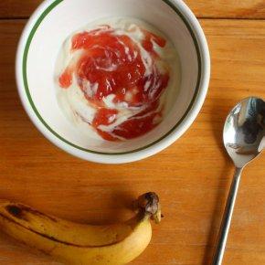 Around Snacks Never Relax: Full-fat Greek Yoghurt + SweetThings