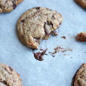 Chocolate chunk peanut butter toasted oat cookies