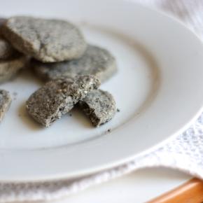 Black sesame shortbread, smallbatch