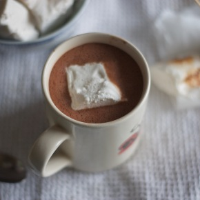 Small batch vanilla bean marshmallows for your hot chocolate