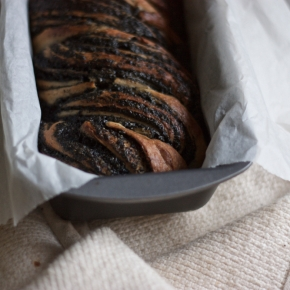 Black sesame & honey no knead brioche braid (small batch)