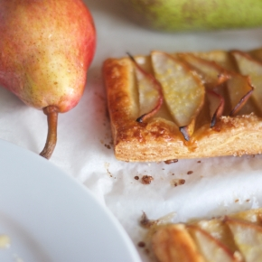 Pear puff pastry tarts + spiced palm sugarsyrup